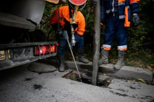 Sewer Cleaning & unclogging crew